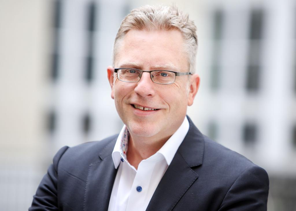 Rechtsanwalt Nils Kummert Abmahnung Was Tun Ig Metall Berlin